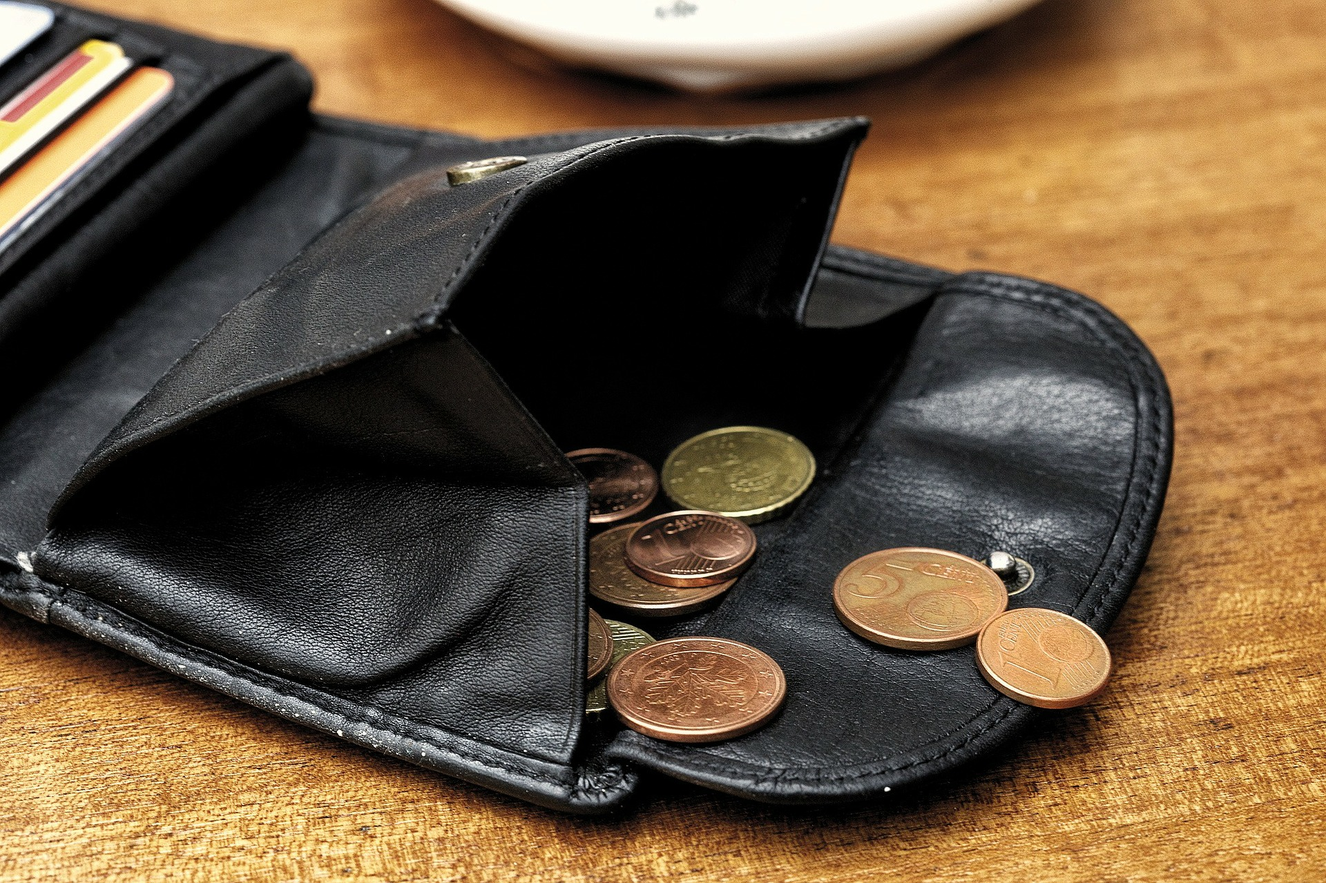 So sparst du als Student Geld